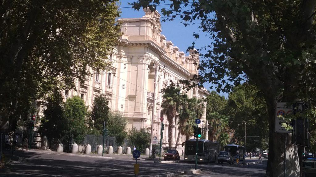 Dirigenti scolastici per scuole italiane all'estero: posizioni ancora distanti