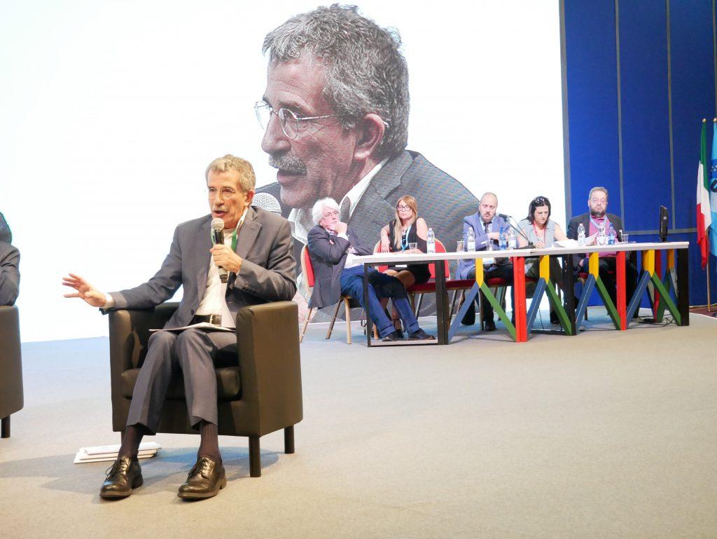 Immagine della galleria: XIV Congresso Uil Scuola | La giornata del 17 maggio