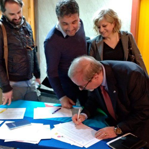 Carmelo Barbagallo firma l'appello contro la regionalizzazione della scuola