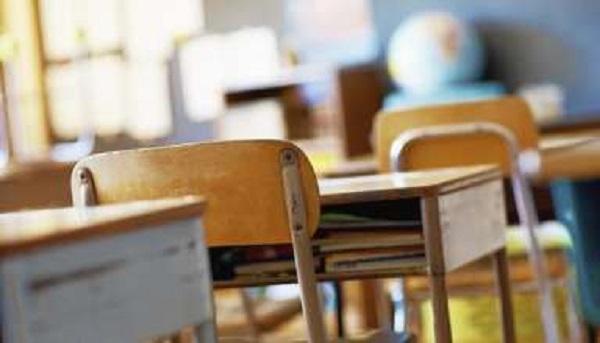 Concorso infanzia e primaria: la pubblicazione del bando non prima di ottobre. Contingente immissioni in ruolo: 5.000 posti in meno rispetto a quelli annunciati