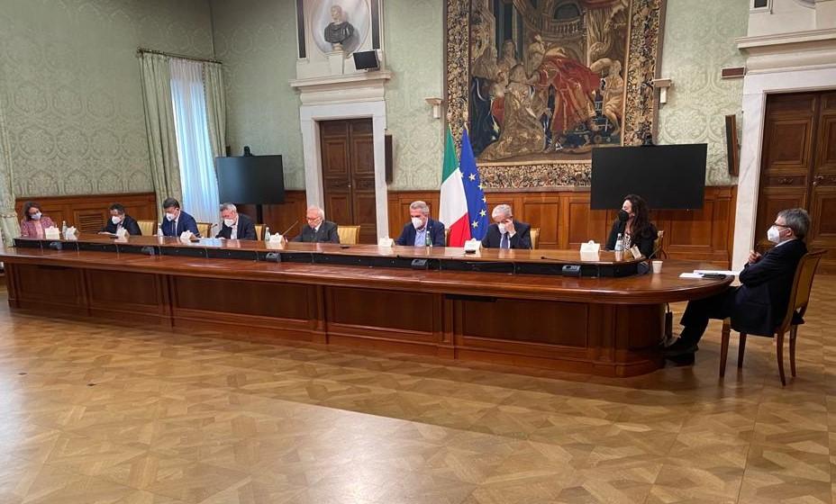 DECRETO RISTORI E PATTO PER LA SCUOLA / Turi: firmiamo il patto per cambiare il decreto