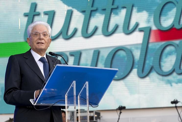 Mattarella: la scuola insegna ad essere italiani